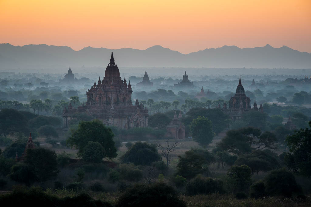 Bagan temple sunrise